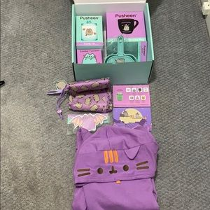 Pusheen Fall 2019 Mug Dust Pan Hoodie Zombie Box S
